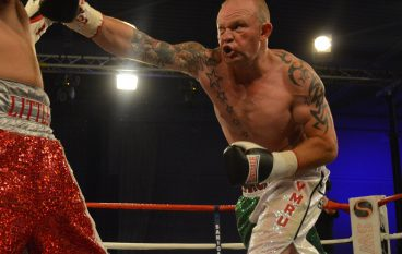 Steve Sims: Dorian Darch to 'end' Anthony Joshua