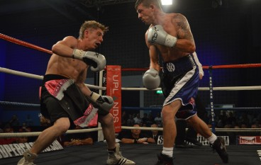 It's repeat for Dai Davies who defeats Robbie Turley in Welsh title defence