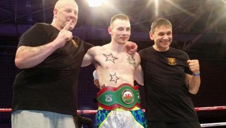 Tony Dixon destroys Mike Jones in 100 seconds to win Welsh title