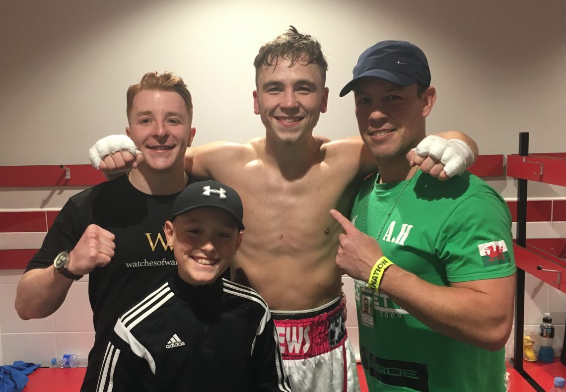 Alex 'Bad News' Hughes blasts away opponent on return to middleweight