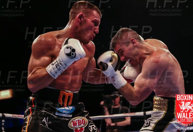 Liam Williams loses out in close rematch with Liam Smith