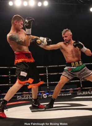 Kody Davies hunts Anthony Fox to earn educational sixth professional win